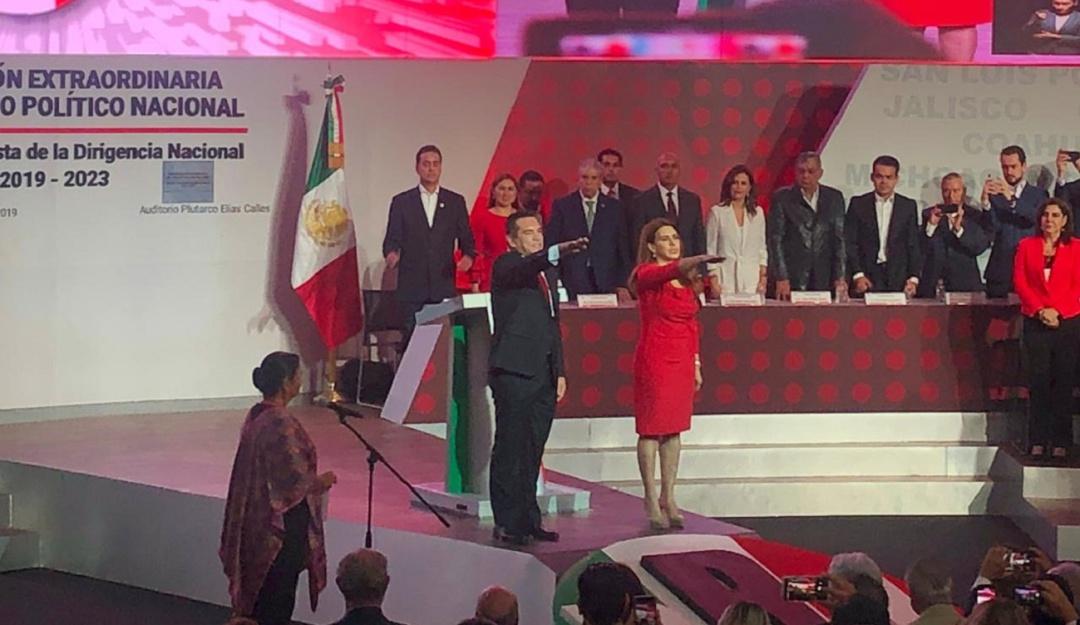 Asume Alejandro Moreno dirigencia nacional del PRI