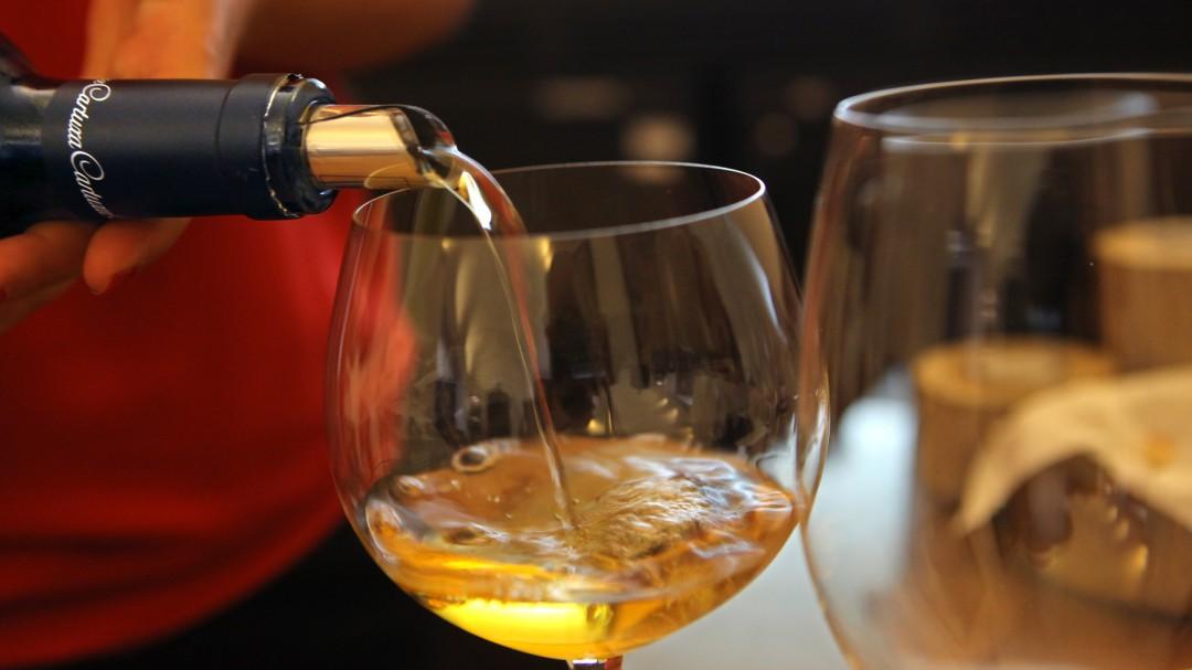 A mi manera: ¿Cómo se debe oler un vino para catarlo?