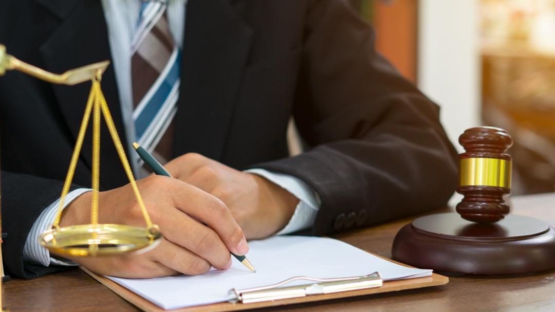 ¿Necesitas asesoría legal? Así te puede ayudar gratis un abogado
