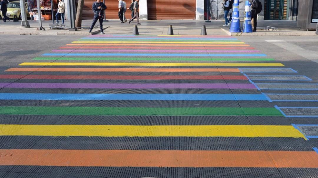 Conapred dice sí a los pasos peatonales del orgullo