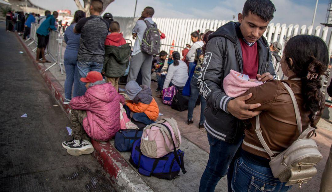 Anuncia EU que detendrá a migrantes por tiempo indefinido
