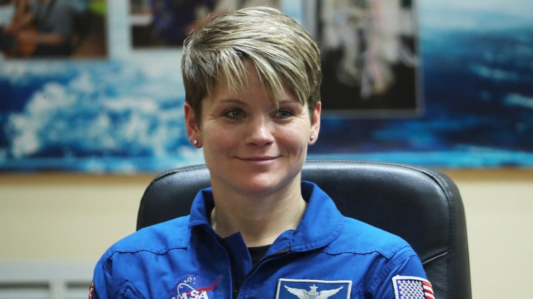 SOPITAS: Anne McClain, la primer mujer en cometer un delito en el Espacio