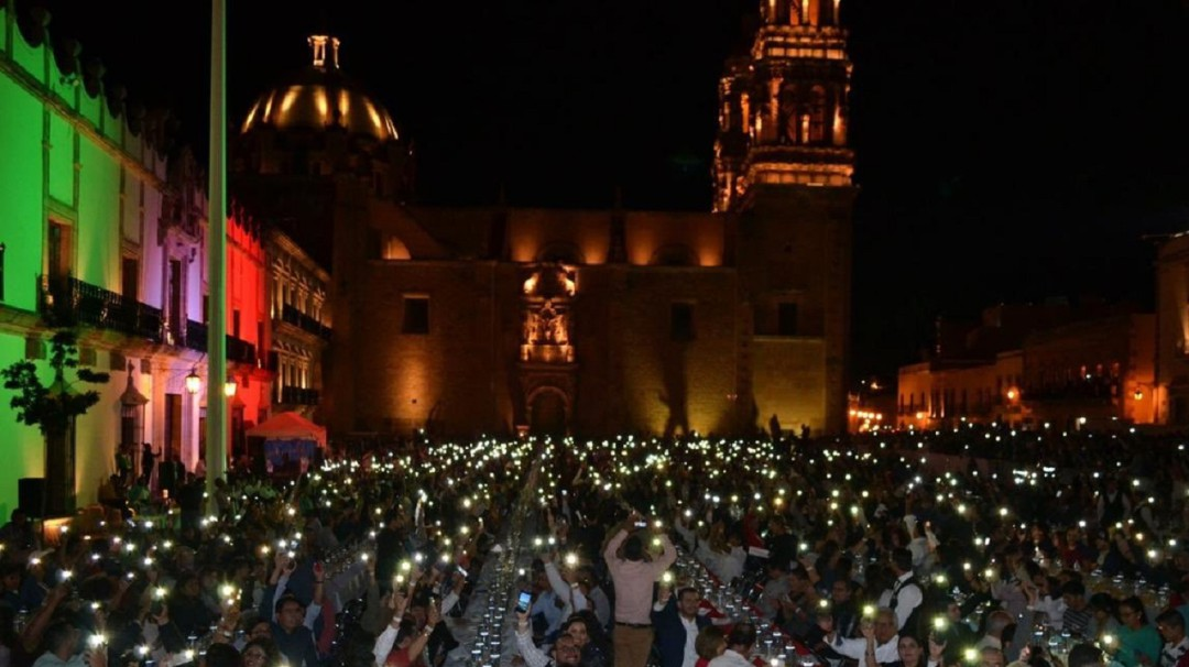Lo rompe; Zacatecas se lleva récord Guinness en cata de Mezcal