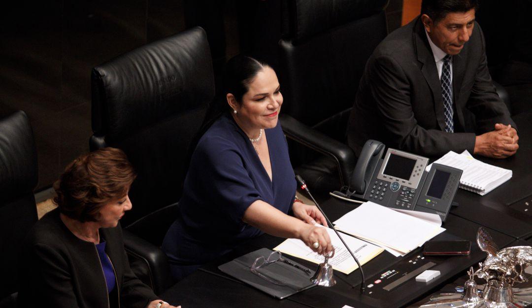 Eligen a Mónica Fernández como presidenta del Senado