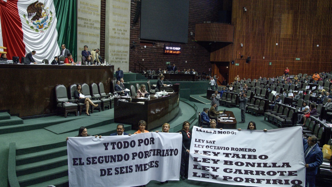 Estamos en una anarquía infeliz: Romero Hicks; Exageran, dice Mario Delgado