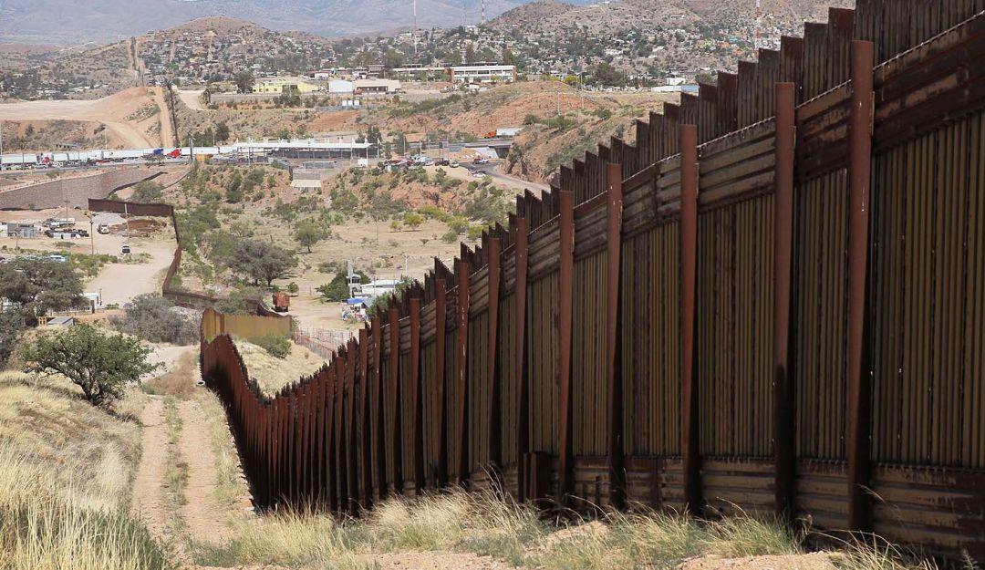 Pentágono libera 3 mil 600 mdd para muro fronterizo