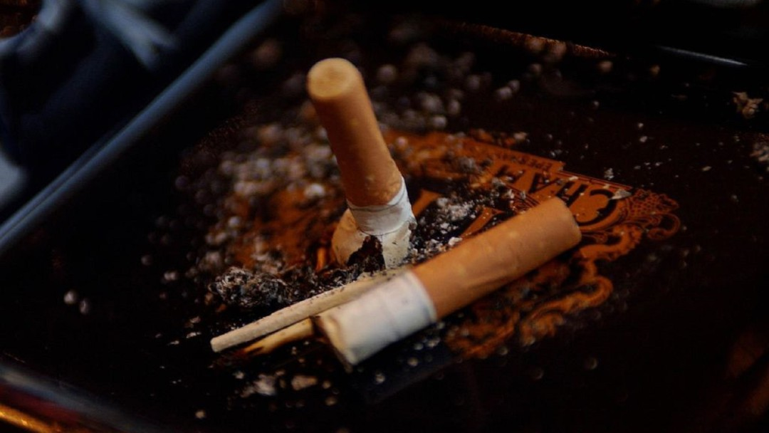 SOPITAS: Quien tire colillas de cigarro podría ser multado