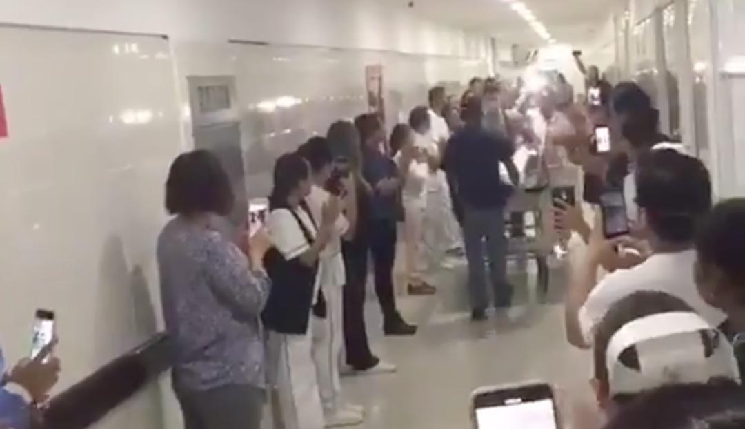 Forman pasillo de honor a joven que donó órganos en unidad del IMSS