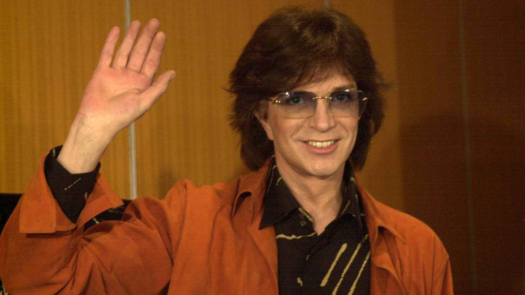 Fallece a los 72 años el cantautor español Camilo Sesto