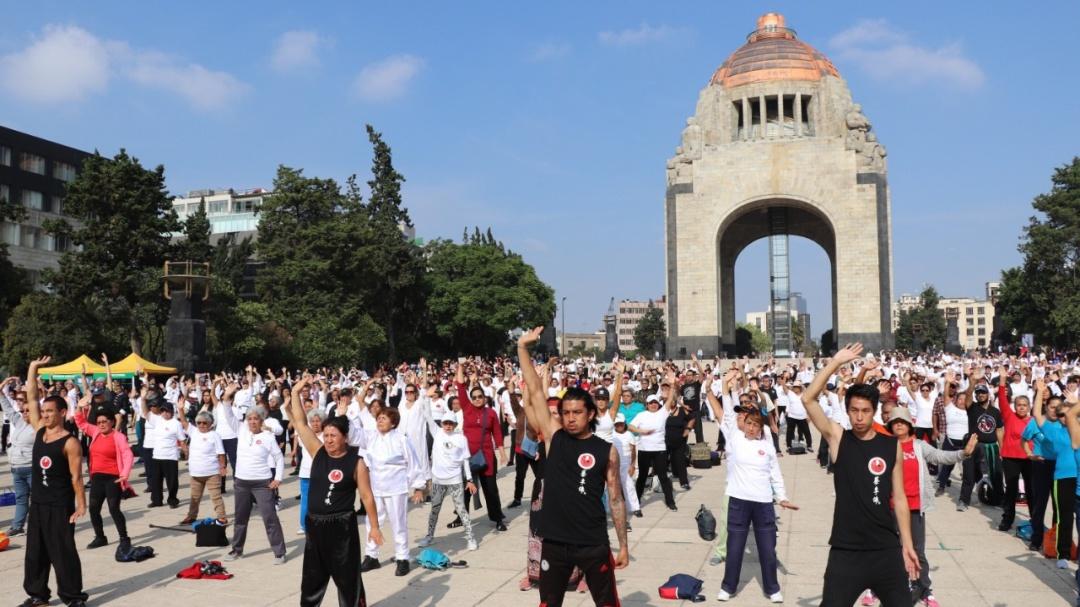 En el Monumento a la Revolución se llevó a cabo la Mega Clase de Taichí