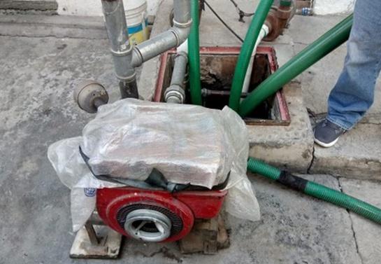 """David """"N"""" de 55 años cobraba 200 pesos por tambo de 200 litros y 960 por carga de 8 mil litros"""