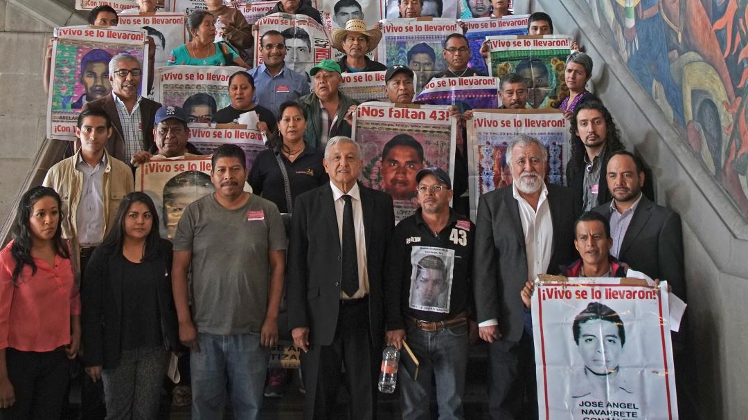 Tenemos esperanza con gobierno de AMLO: padre de normalista de Ayotzinapa