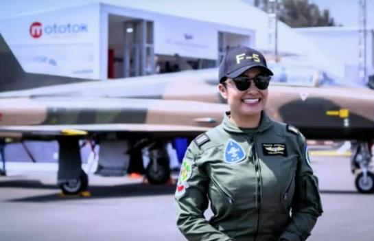 Actualmente se prepara para ser comandante del F-5