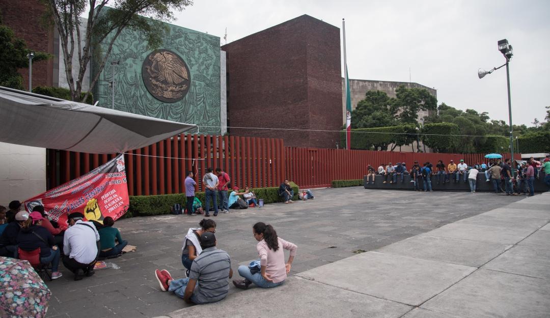 Tras 7 horas de bloqueo, la CNTE levanta plantón frente a San Lázaro