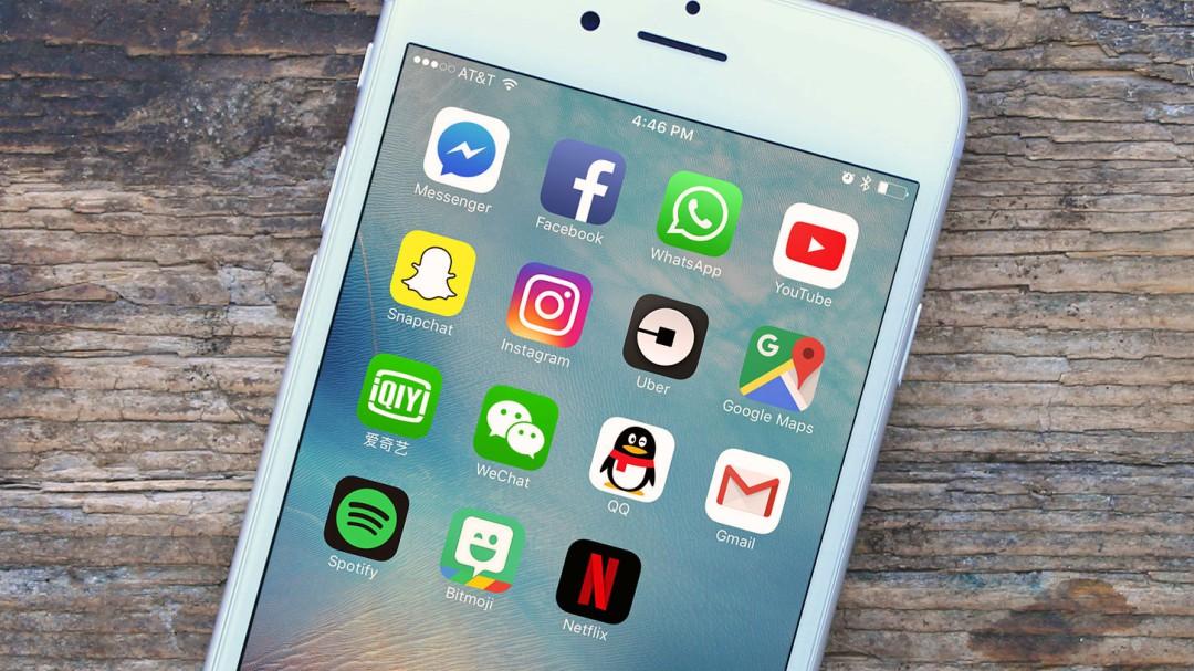Monreal presenta ley de impuestos para Apps
