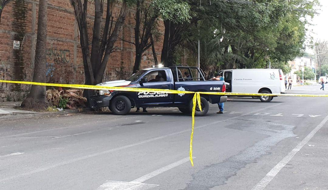 Prenden fuego al cuerpo de una mujer en calles de Guadalajara