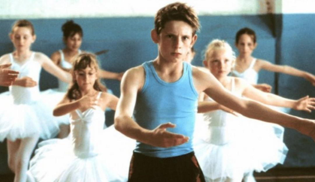 Con tatuajes y rapado; así luce Jamie Bell, el niño de 'Billy Elliot'