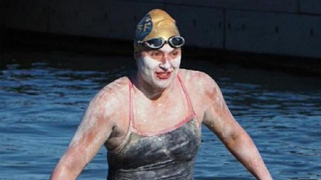 SOPITAS: Sarah Thomas ha pasado las últimas 54 horas nadando sin parar