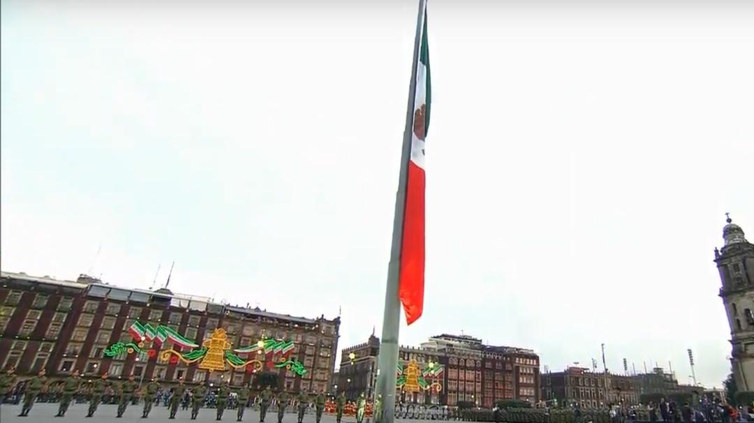 Izamiento de bandera en memoria de las víctimas del 19 de septiembre