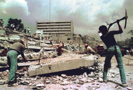 Los conteos oficiales hablan de 150 mil trabajos perdidos después del terremoto