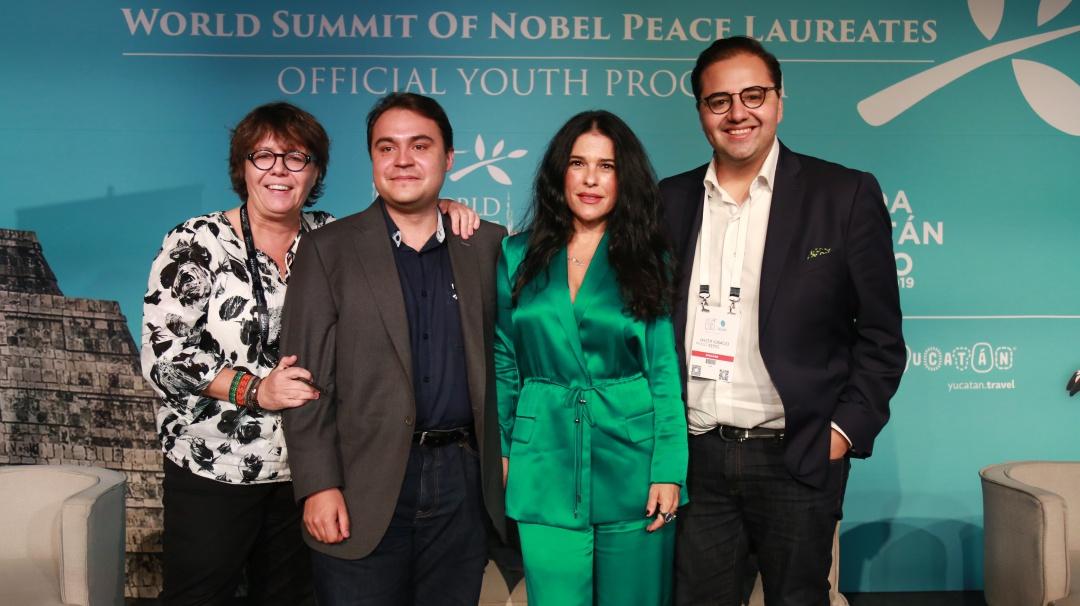 Las Redes Sociales en la Construcción de la Paz