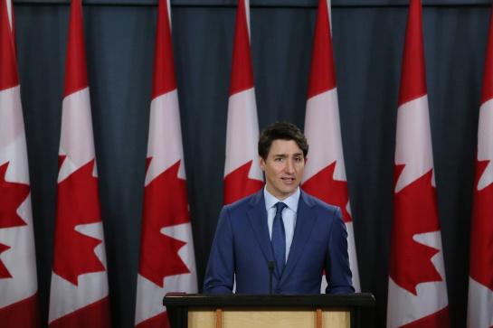 Según diversas encuestas, la popularidad de Trudeau cayó en picada durante el último año