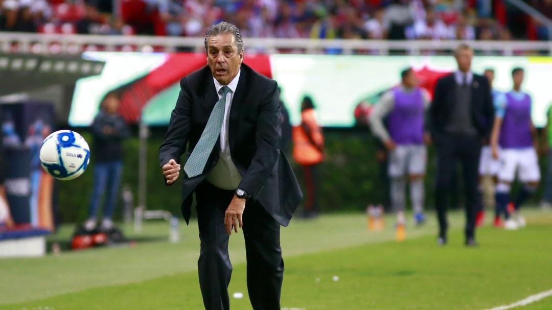Tomás Boy fue cesado como técnico de Chivas