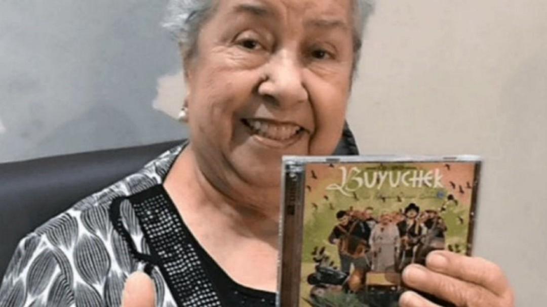 SOPITAS: Irma Silva con 80 años de edad es la sensación de los Grammys