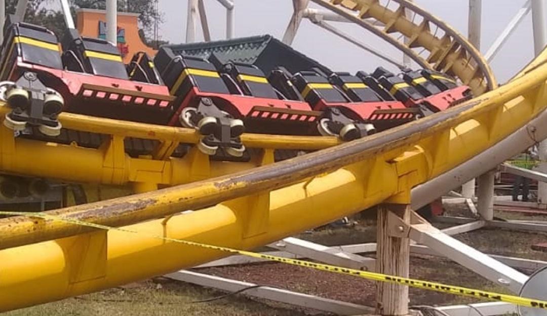 Se descarrila juego de La Feria de Chapultepec; mueren 2 personas
