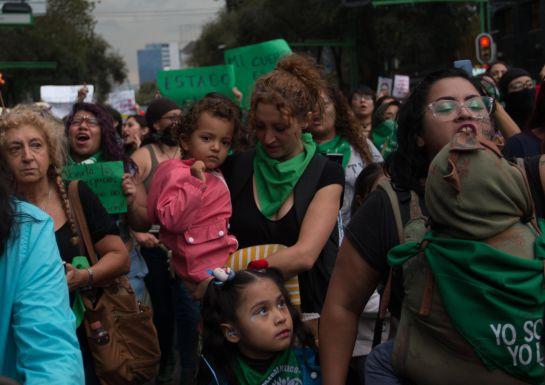 Marchan a favor de la despenalización del aborto en la CDMX