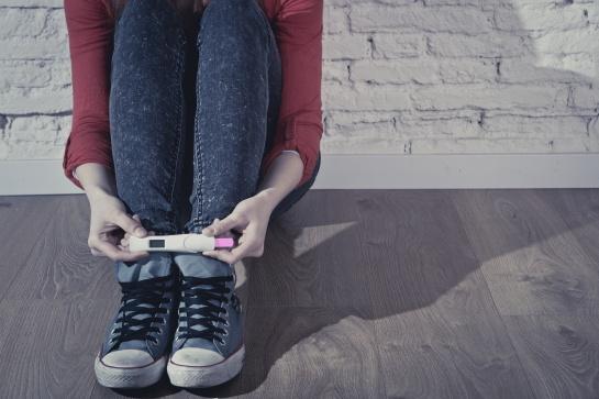 El INEGI señala que el 59 por ciento de los adolescentes de 12 a 19 años con antecedentes de embarazo sólo cursó hasta la secundaria
