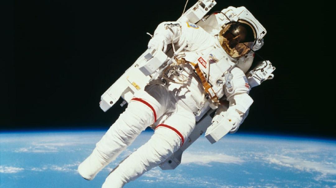 SOPITAS: La NASA abre primer viaje comercial al espacio