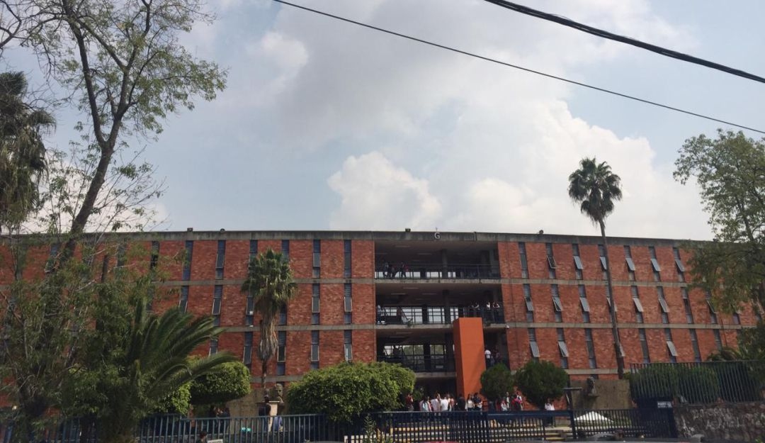 Alumnos denuncian inseguridad a las afueras del CUCSH