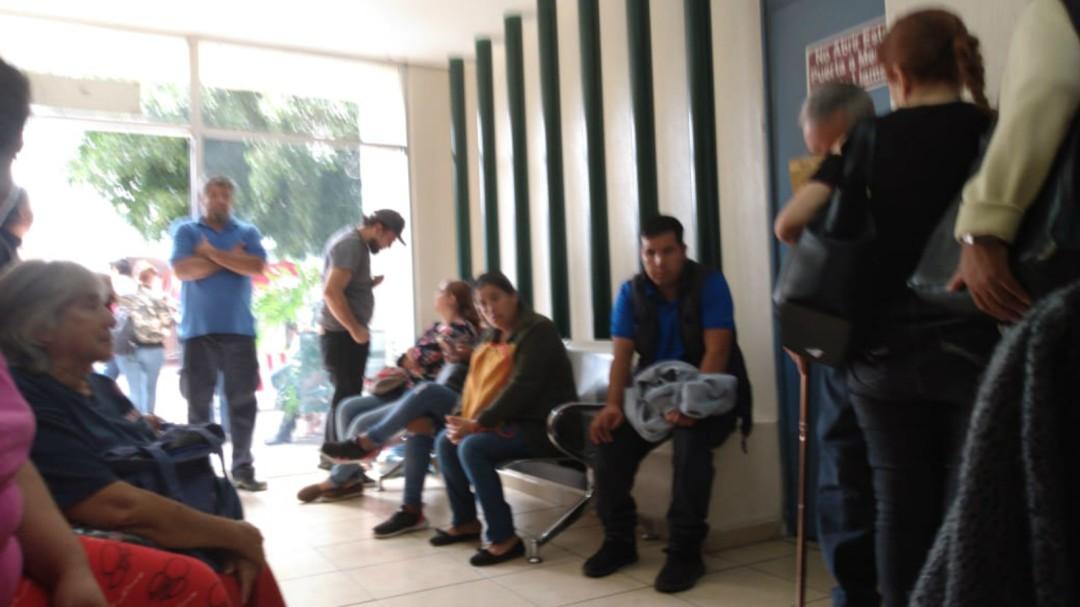 Enfermos de dengue saturan salas de emergencia