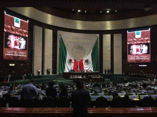 Diputados brindan deslucido homenaje a Miguel León Portilla