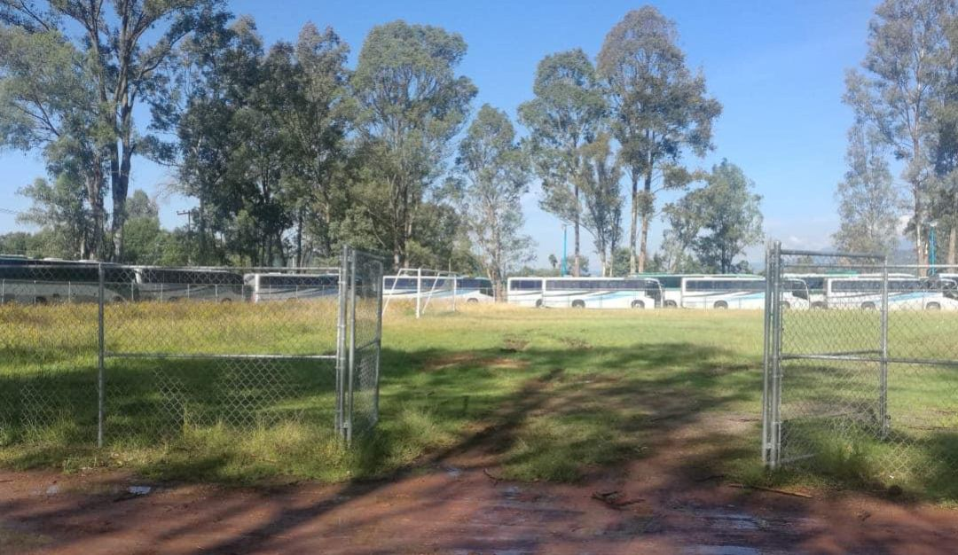 Normalistas secuestran 60 autobuses en Edomex