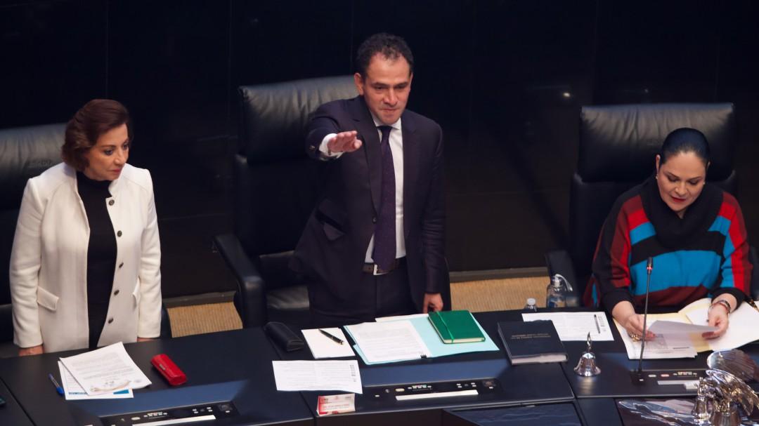 Tunden a Herrera por 0% crecimiento, desempleo e impuestos digitales