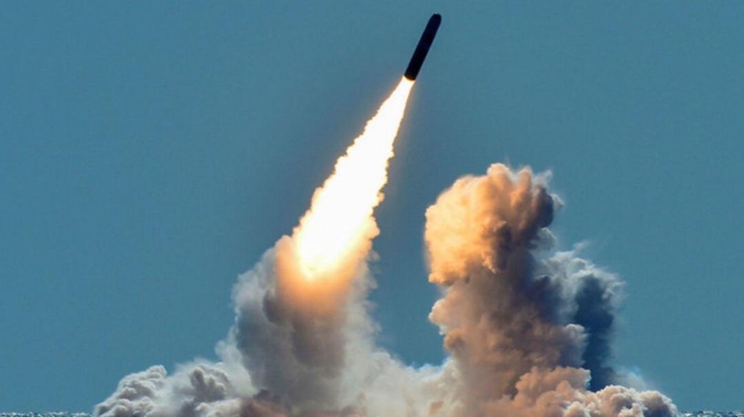 Captan pilotos mexicanos el lanzamiento de un misil balístico de EU