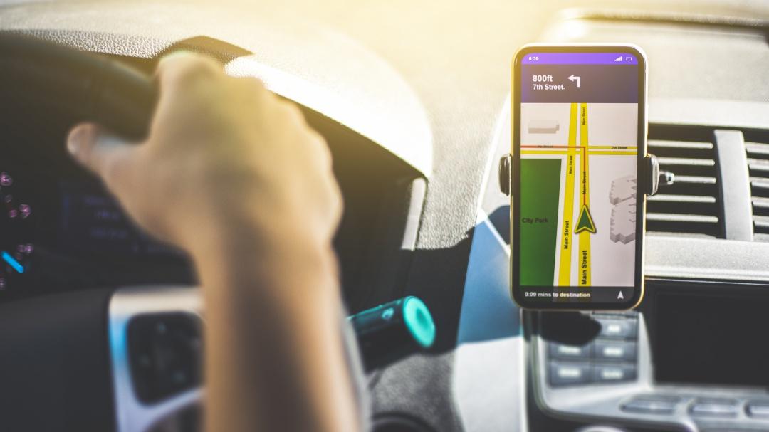 Chofer de Uber presume aumento de ganancias tras marcha de taxistas en CDMX