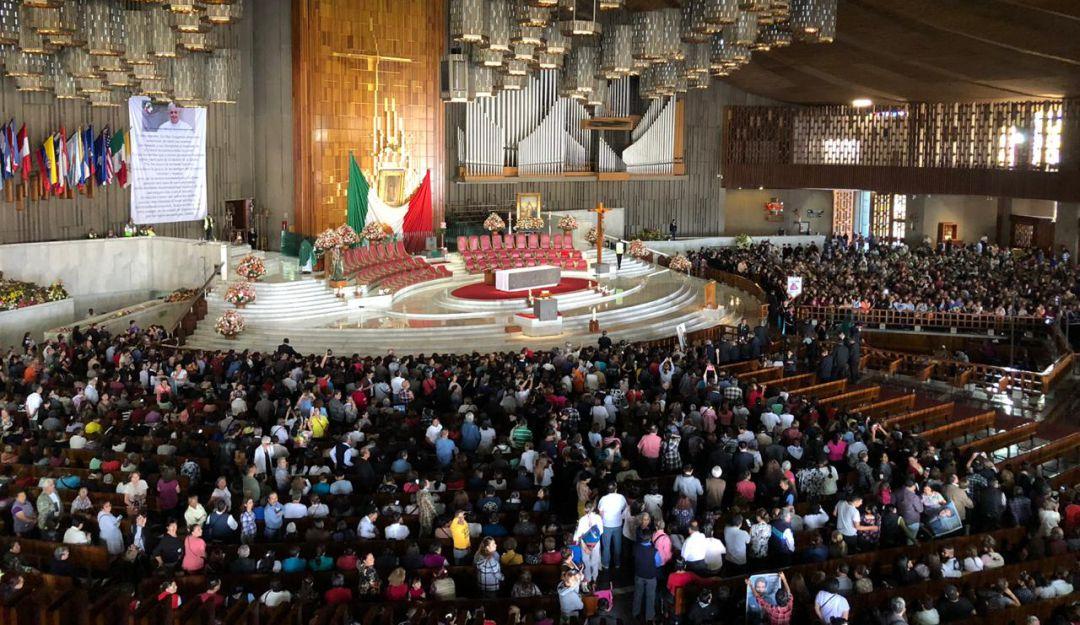 Celebran misa en memoria de José José en la Basílica de Guadalupe