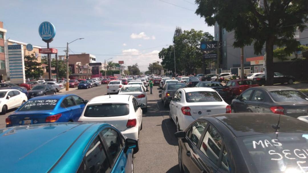 Marchan conductores de ERT para exigir mayor seguridad