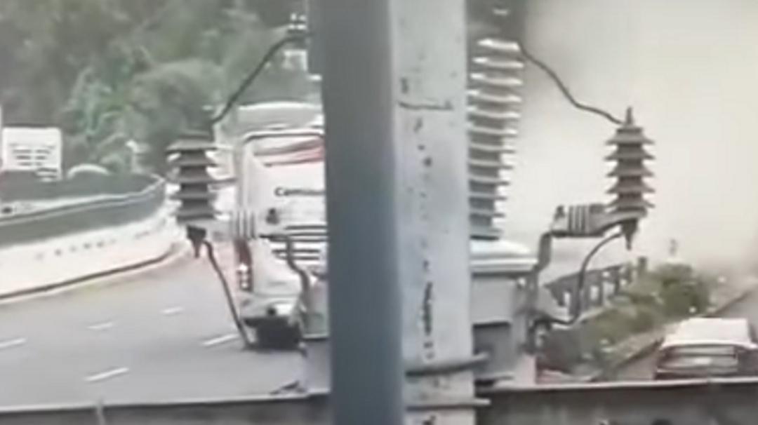 Captan el choque en la autopista México- Toluca que dejó 15 lesionados