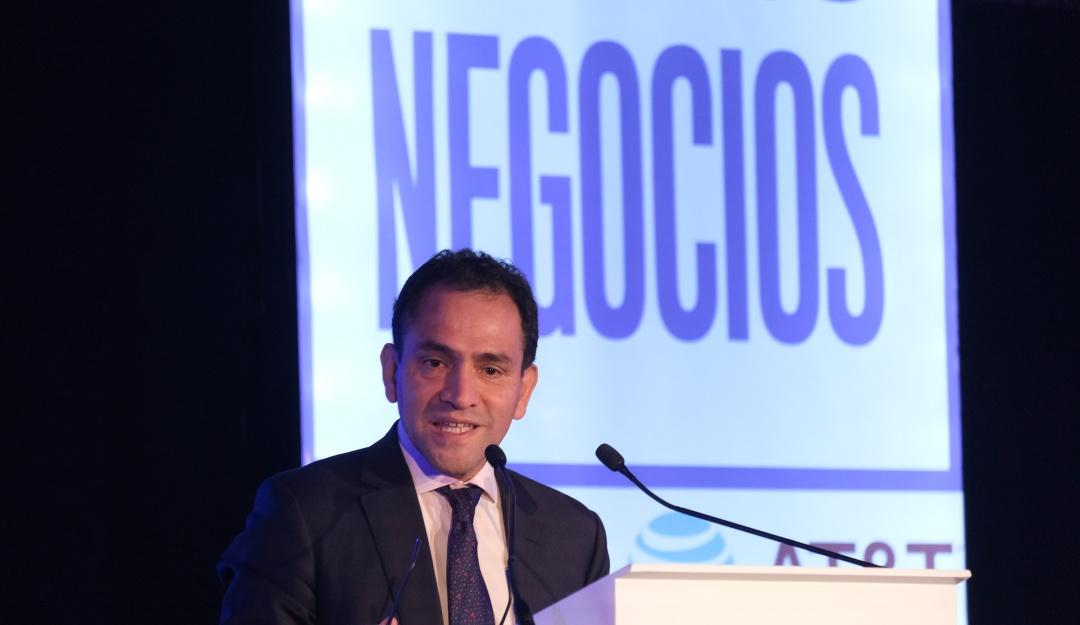 Hacienda abierta a discutir elevar edad de jubilación: Herrera