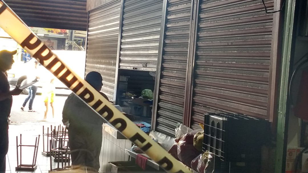 Asesinan a una mujer en el mercado de Abastos
