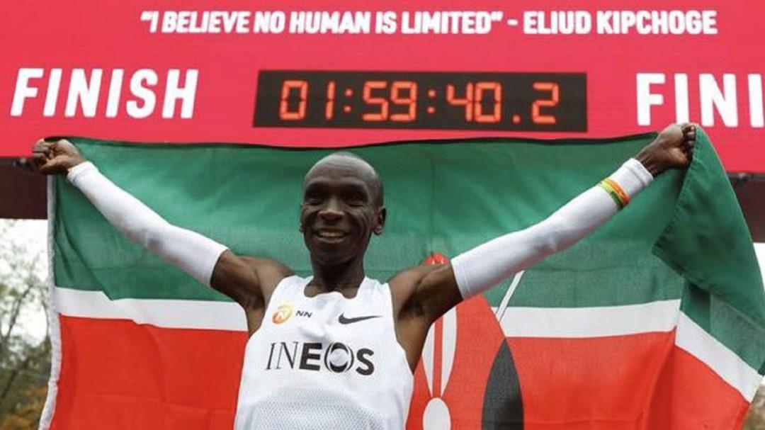 SOPITAS: Keniano Eliud Kipchoge, corre un maratón en menos de dos horas