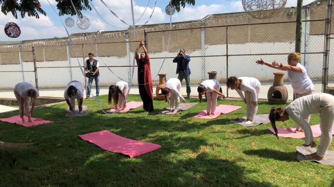Yoga, el método de reinserción para reas de Jalisco