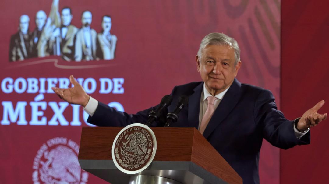 Deschamps podría como Medina Mora, atender denuncias: AMLO