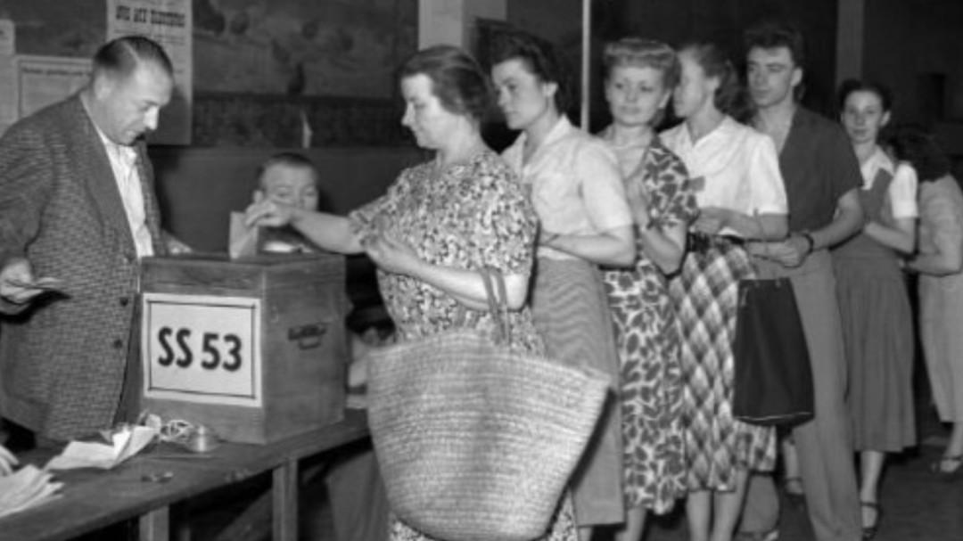 Conmemoran el voto de la mujer