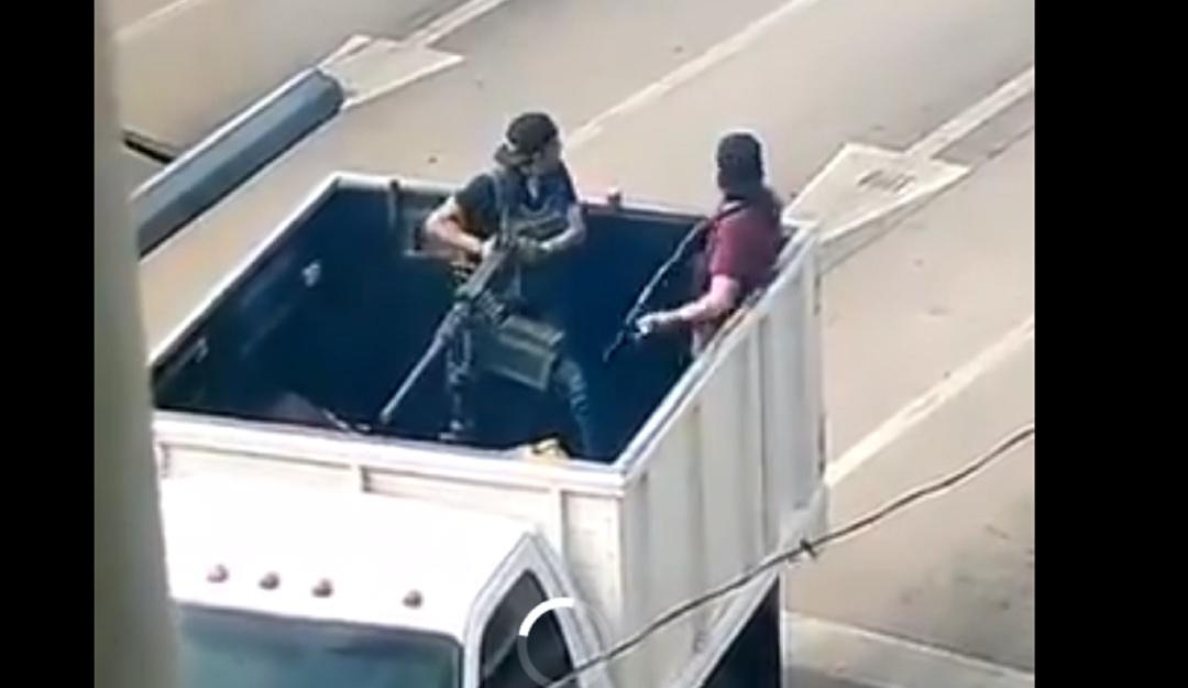 Enfrentamientos paralizan Culiacán