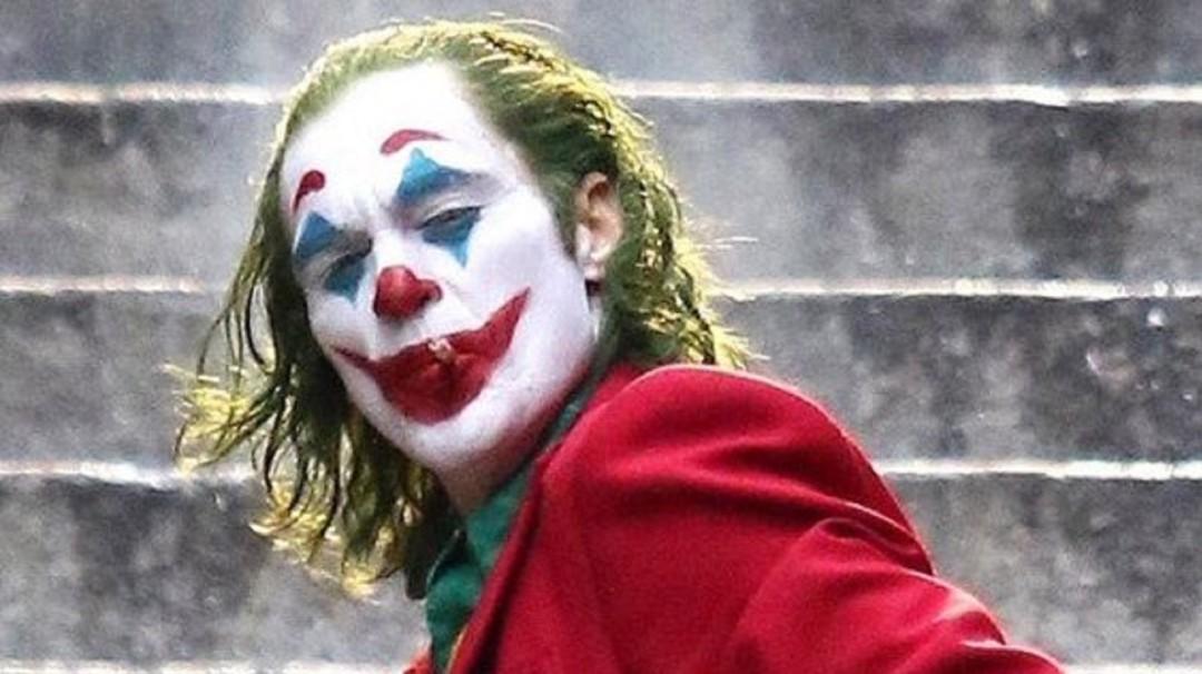 Joker: El fenómeno social y la sonrisa de cartón